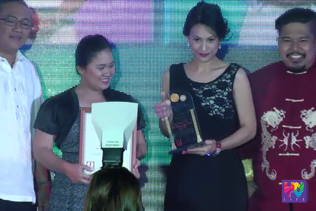 Tinanggap nina Dra. Lady Ruvi Tagulao, isa sa mga host ng Doctors on TV, at ng producer na si Cathy Javier Gutierrez ang parangal bilang Best Medical Reality-based TV program sa ginanap na 11th National product Quality Excellence Awards for 2015-2016 ng Q Asia magazine sa Crowne Plaza Manila, Ortigas Ave., Quezon City.