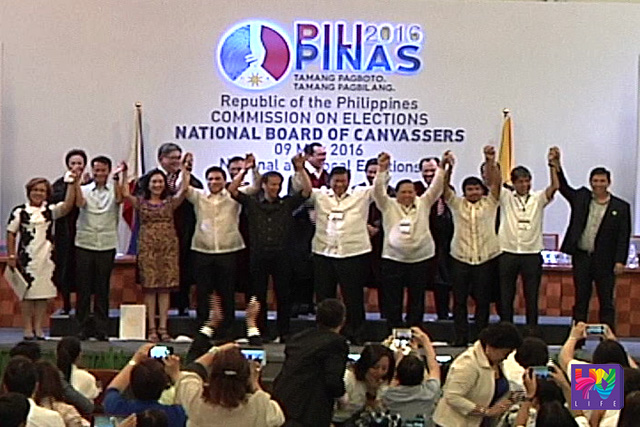 Election officials declare (from left to right) Leila De Lima, Win Gatchalian, Risa Hontiveros, Migz Zubiri, Joel Villanueva, Franklin Drilon, Richard Gordon, Manny Pacquiao, Kiko Pangilinan and Ralph Recto as senators, at Philippine International Convention Center in Pasay City, Philippines May 19, 2016.