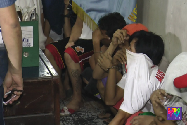 PNP personnel nabs individuals for drinking, gambling and fighting in the streets during Oplan Galugad on Monday, May 31, 2016. (UNTV News)