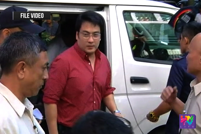 Senator Bong Revilla arrives at the Sandiganbayan. (UNTV NEWS)