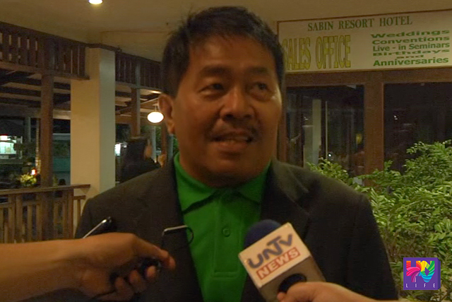 DSWD Regional Director Resty Macuto talks to reporters. (UNTV NEWS)