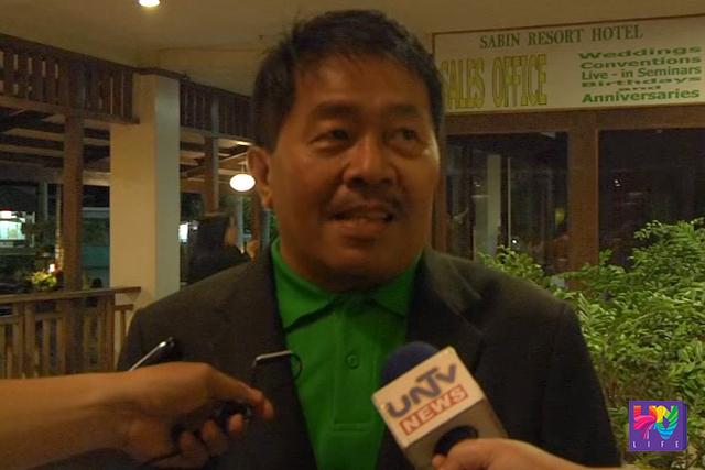 DSWD Regional Director Resty Macuto talks to reporters. (UNTV NEWS)