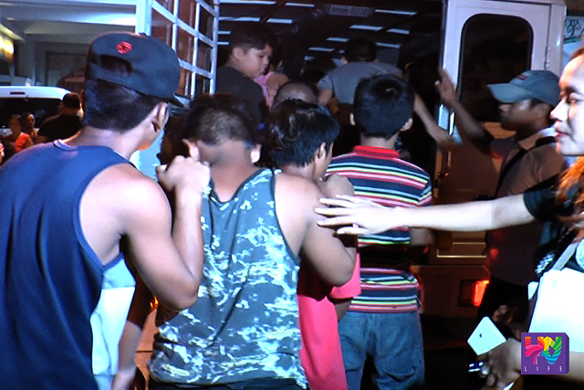 Minors who were found loitering at late night were escorted in a van by PNP and DSWD personnel on Wednesday, June 8, 2016. (UNTV NEWS)