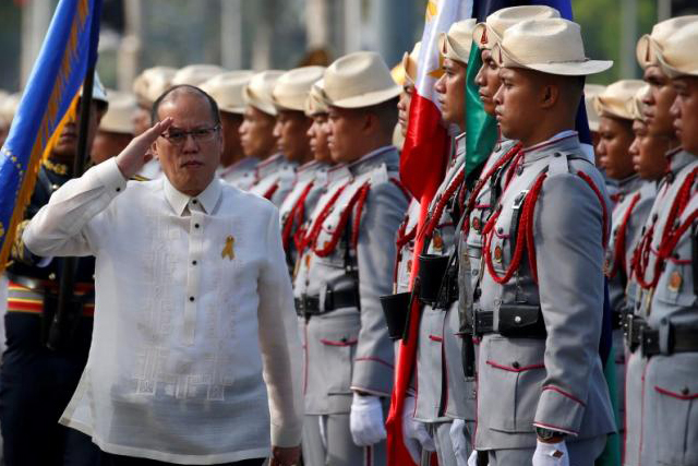 Benigno Aquino salutes the honour guard during the Independence Day celebration, two weeks before Aquino will relinguish his post to newly elected President Rodrigo Duterte (not pictured) in Manila, Philippines June 12, 2016. REUTERS/ERIK DE CASTRO