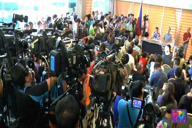 Mediamen cover President-elect Rodrigo Duterte's conference in Davao City.