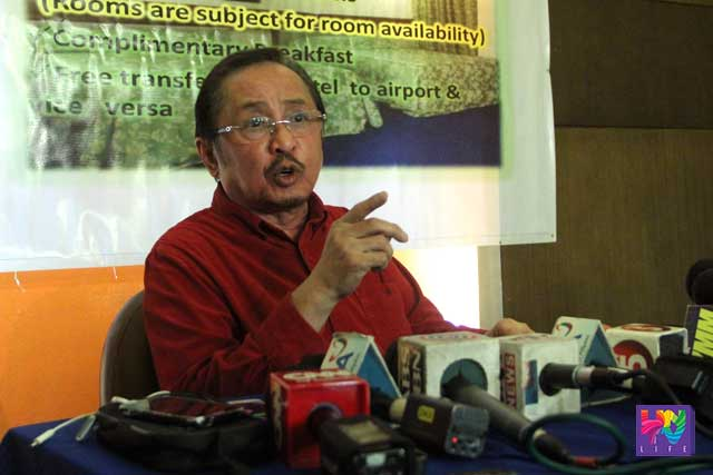 MNLF Chairman Abul Khayr Alonto speaks to reporters in a press conference in Davao City.