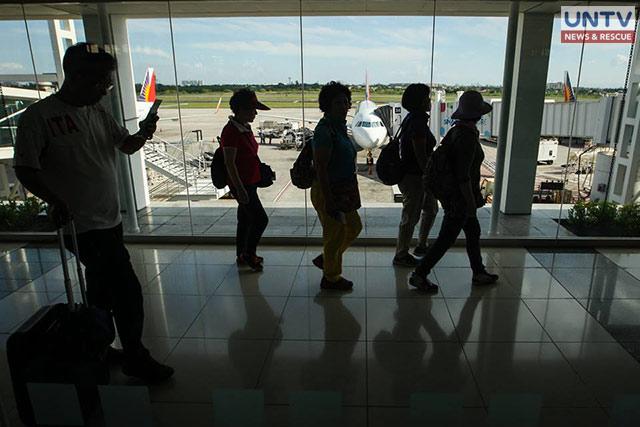 Passengers at NAIA Terminal 2 (Photo: Photoville International)