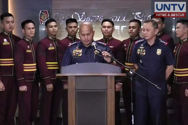 PNPA Masidlak Class of 2017 topnotchers with PDG Ronald dela Rosa