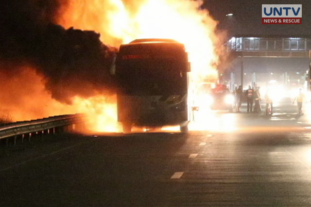 IMAGE_UNTV_NEWS_122617_BUS IN BOCAUE IN FIRE