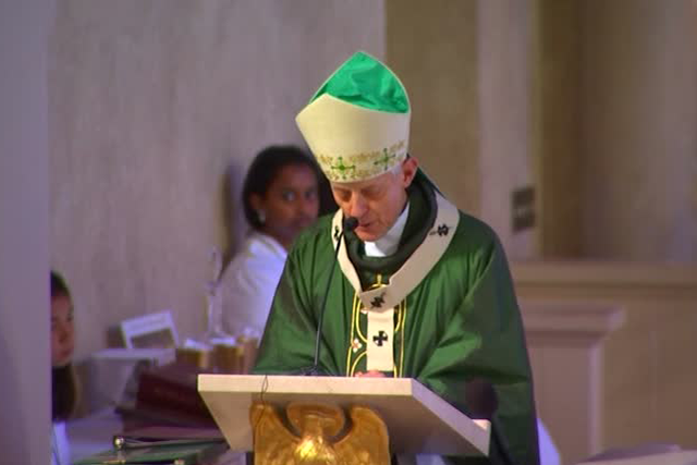 Man shouts 'shame on you' at Cardinal Donald Wuerl during mass
