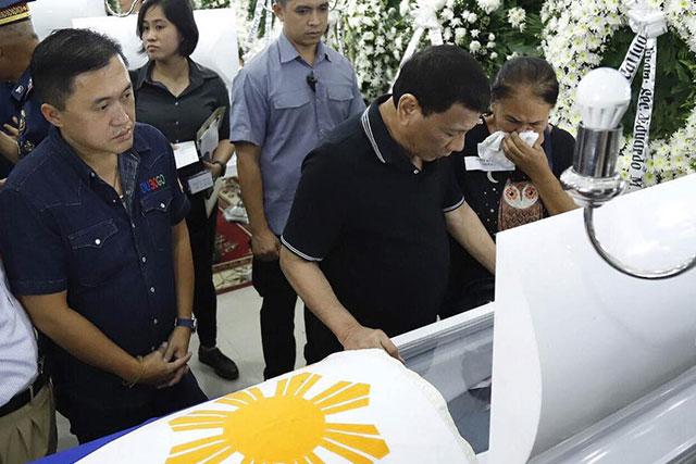 Duterte mulls another Customs revamp - UNTV News | UNTV News