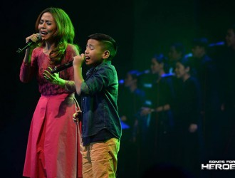 "Mother-and-son Arnee Hidalgo and Sam Shoaf deliver an emotion-stirring version of Apo Hiking Society's ""Batang Bata Ka Pa."""