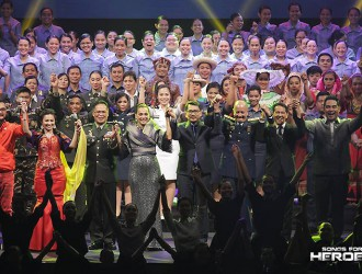 The stellar cast of Songs for Heroes 2 take their final bow after the successful Songs for Heroes 2 benefit concert.