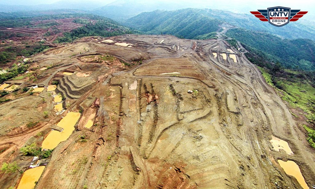 This image reveals thesevere damages thatmining activities have caused on the mountains of Zambales . Photo taken last August 3, 2016.